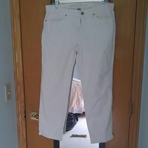Eddie Bauer size 8 white crop jeans EUC